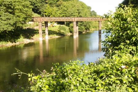 cymru: Pennalt Viaduct on the River Wye, connecting Wales and England, in the United Kingdom.