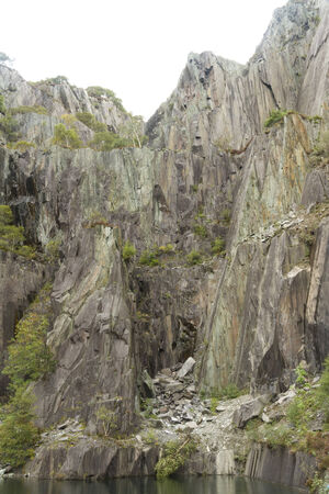 disused: Desuso Vivian mina de pizarra, que ahora se utiliza para Llanberis buceo, Gwynnedd, Gales, Reino Unido
