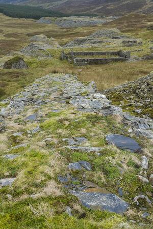 disused: Inclinaci�n salida en desuso para la Blaen-y-Cwm mina de pizarra, el Parque Nacional de Snowdonia, Gwynedd, Gales, Reino Unido