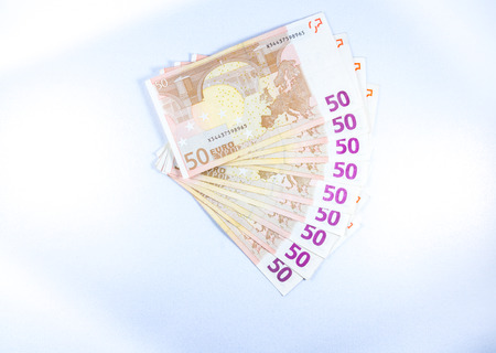 billets euros: A fan made of fifty Euro notes money