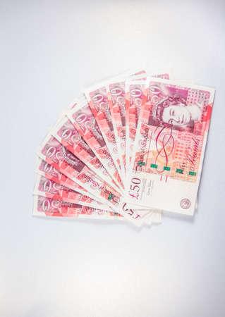 sterling: Un ventilatore fatto di cinquanta sterlina note soldi.