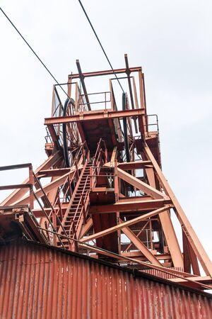 Red Eisen Kopfbedeckungen der Kohlemine.
