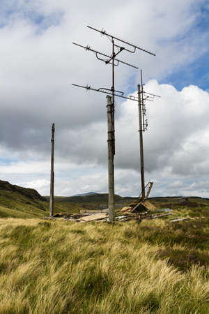 repeater: Above Bleneau Ffestiniog, on the Rhiwbhach Tramway, antennas  are all that remains of a television repeater station. Gwynedd, Wales, United kingdom. Stock Photo