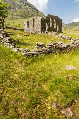 Derelict Rhosydd Chapel, Cwmorthin, Bleneau Ffestiniog, Gwynedd, Wales, United Kingdom. Looking towards derelict Rhosydd Chapel Stock Photo