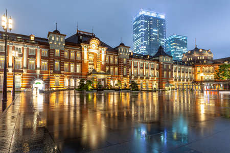 Night view of Tokyo Station on a rainy day