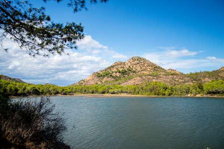 사르데냐에있는 bidderosa의 아름다운 호수 스톡 콘텐츠