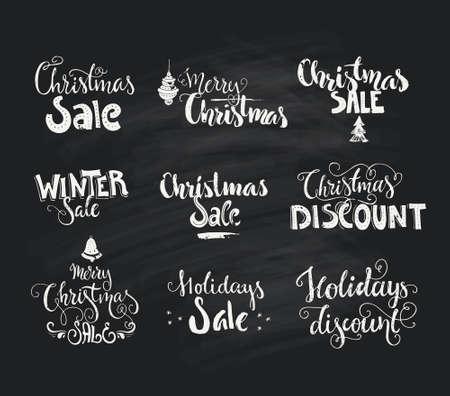 venta de Navidad y la Navidad del descuento - signos dibujado a mano en el fondo de tiza. handdrawn letras. Arte del vector.