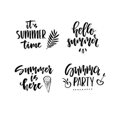 여행사, 여름 파티, 엽서 또는 여름 세일을위한 독특한 핸드 레터링 디자인. 여름 요소와 손으로 그린 글자입니다. 여름 표지판 및 배너 벡터 엠 블 일러스트