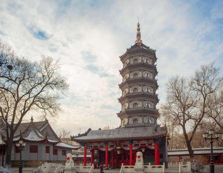 si: KEK Lok SI temple buildings in Harbin
