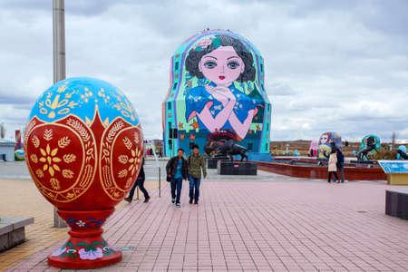matryoshka doll: Matryoshka doll square