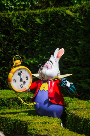 A model of the White Rabbit from Alices Wonderland, in Alices Curious Labyrinth, Disneyland Paris.