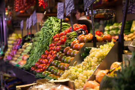 alignement: Fruit stand at the Boqueria market in Barcelona, Spain