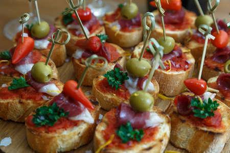 pintxos, tapas, spanish canapes party finger food Banque d'images