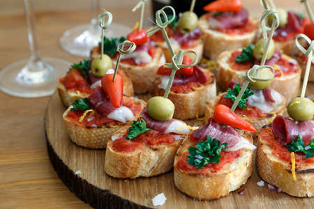 pintxos, tapas, spanish canapes party finger food 스톡 콘텐츠