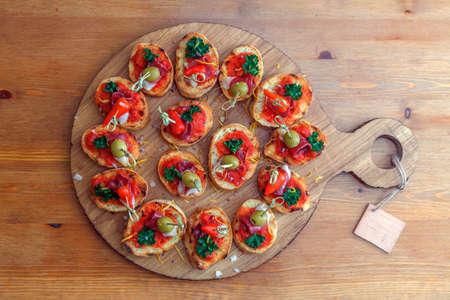 pintxos, tapas, spanish canapes party finger food 스톡 콘텐츠