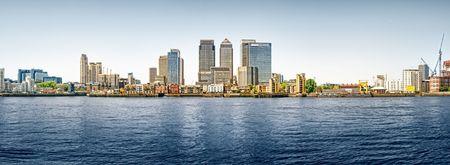 kanarienvogel: Panoramabild von Canary Wharf Ansicht von Greenwich. Diese Ansicht enth�lt: Credit Suisse, Morgan Stanley, HSBC Group Headoffice, Canary Wharf Tower, Citigroup Centre, One Churchill Place(Barclays) und Riverside Apartment.