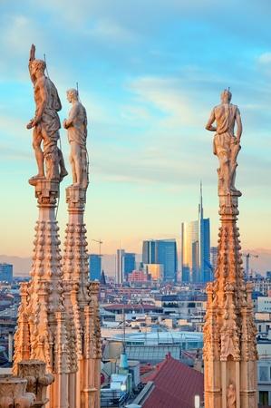 milánó: Milan látképe a milánói dóm (Duomo di Milano). Olaszországban. Sajtókép