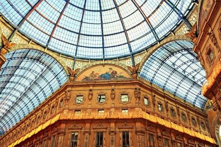 밀라노: 밀라노의 비토리오 에마누엘레 2 세 미술관. 스톡 사진