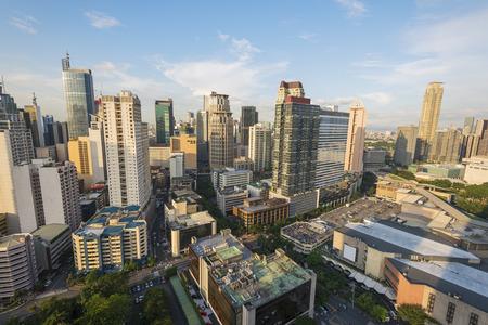 마카티시의 스카이 라인. 마카티 시티는 메트로 마닐라 전체 필리핀의 가장 개발 사업 지구 중 하나입니다.