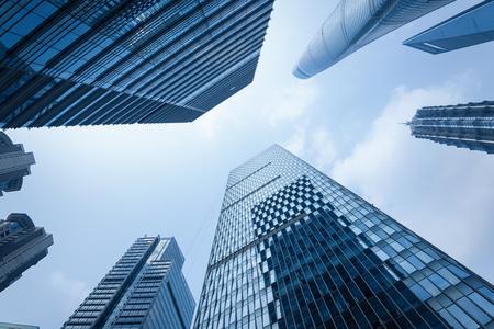 Moderne Bürogebäude in Lujiazui Bezirk, Shanghai. Shanghai World Financial Center, Shanghai Tower und Jin Mao Tower und andere Wolkenkratzer sind enthalten. Shanghai Tower ist eines der neuesten und der höchste von einer Gruppe der supertall Gebäude in Lujiazui.