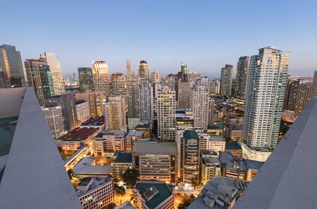 マカティ市のスカイライン。マカティ市はメトロマニラの最も開発されたビジネス地区と全体のフィリピンの 1 つです。