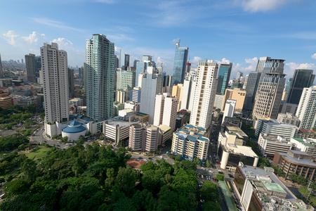 Hight stijgt condominium en kantoorgebouwen in Makati City, Manila, Filipijnen.