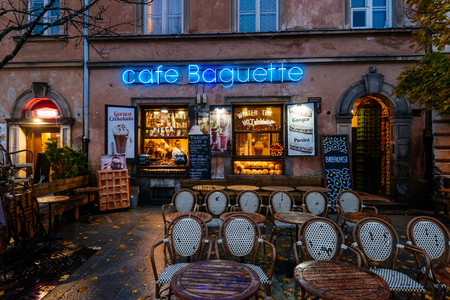 Warsaw, Poland - October 29, 2018: Small cosy cafe and restaurant in the Old Town of Warsaw.  Редакционное