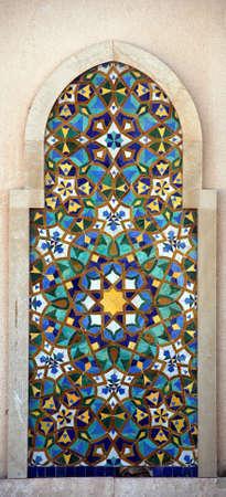 カサブランカのハッサン 2 世モスクの詳細。典型的なモザイク