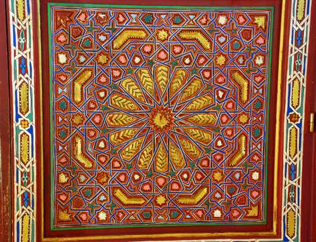 マラケシュ、モロッコの扉詳細 写真素材