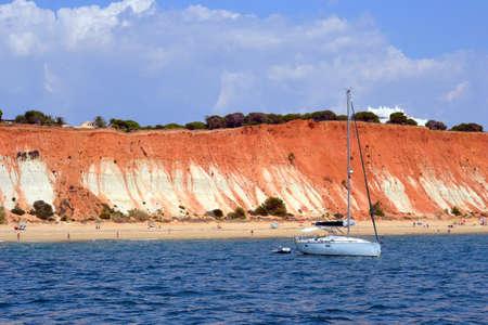 ビーチ ・ ローシャ バイシーニャ、ヴィラモウラ、アルガルヴェ ポルトガル夏 写真素材