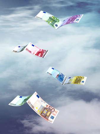 billets euros: billets en euros qui volent comme des oiseaux, sur fond de ciel Banque d'images