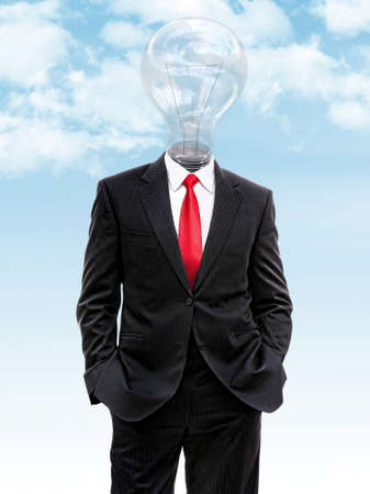 pensamiento estrategico: business man with light bulb instead of head, 3d illustration