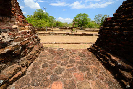 ���archeological site���: Anuradhapura archeological site, Sri Lanka