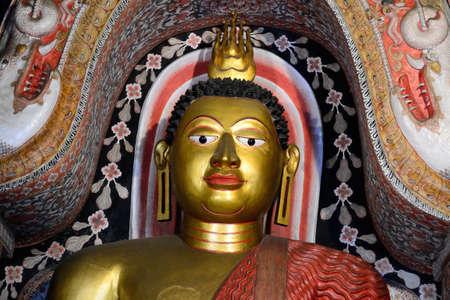 kandy: Lankatilake Temple near Kandy, Buddha statue
