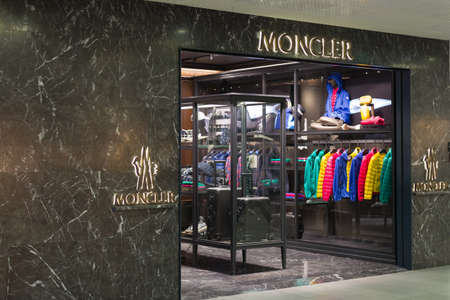 moncler boutique berlin