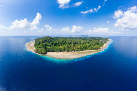 Aerial view tropical beach island reef caribbean sea. Indonesia Moluccas archipelago, Banda Islands, Pulau Ay. Top travel tourist destination, best diving snorkeling. Stockfoto - 128831962