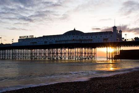 Coucher de soleil � Brighton, s��es, Royaume-Uni. Brighton Pier. Banque d'images