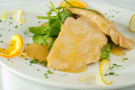 Pollo agli AGRUMI. Italienne de poulet sauce � l'orange.