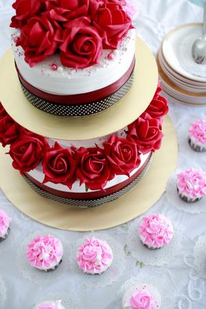 themed: Wedding Cake Detail