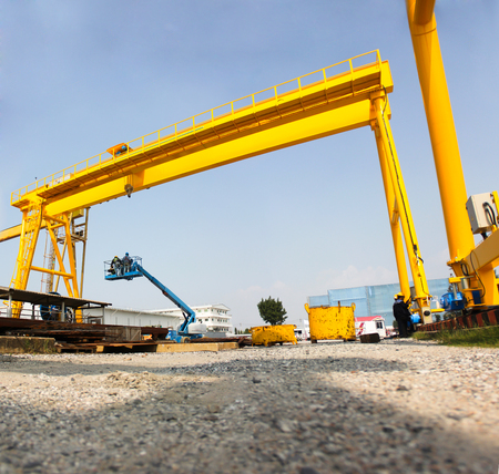 massy: Atmosphere in the construction and installation of crane.