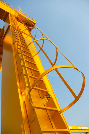 overhead crane: Atmosphere in the construction and installation of crane.