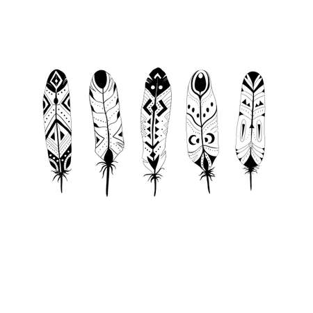 Five black and white textured feathers in boho (tribal) style. 矢量图像
