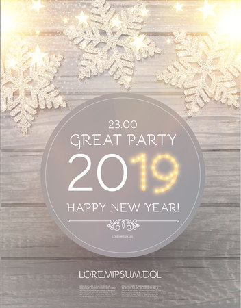 Plantilla de cartel de año nuevo de Hapy 2019 con copos de nieve brillantes sobre textura de madera. Ilustración vectorial