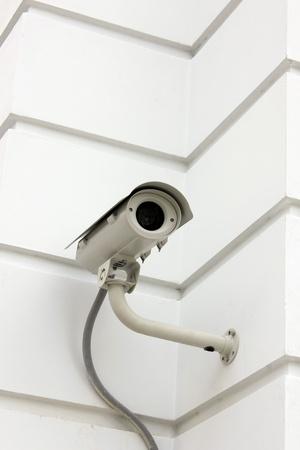cctv: C�mara de CCTV en la pared. Foto de archivo
