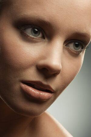 primer plano cara: Rostro de mujer de cerca con el maquillaje