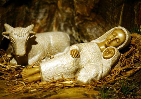 Krippe mit Mutter Mary und Jesus in eine Krippe auf Weihnachten baby