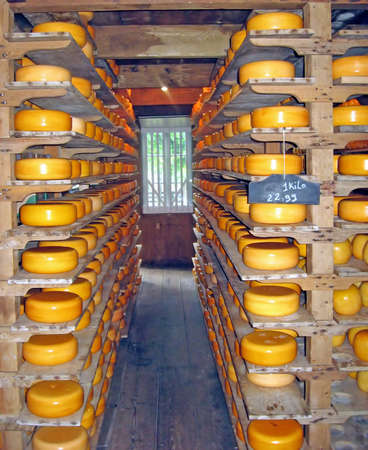 milkman: Dutch yellow wine with cheese crust