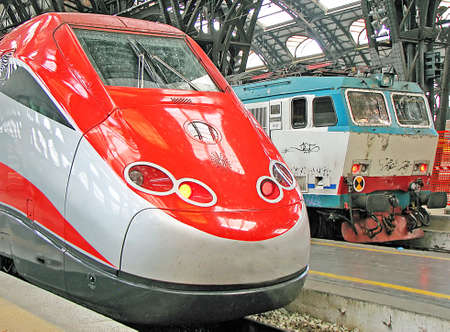 Italian superfast train stopped at the station in Milan Stock Photo - 13161513