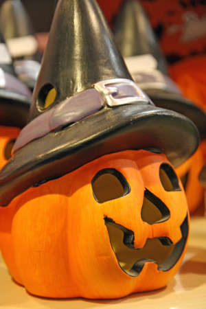 characteristic: porcelain pumpkin with characteristic black witch Hat