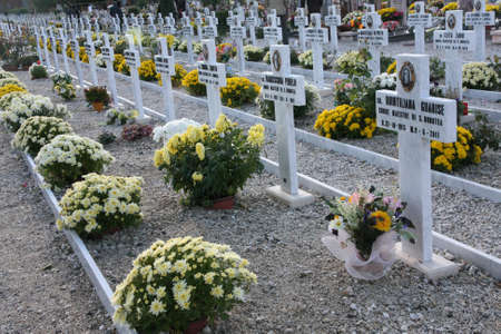 catholic nuns: White crosses and graves of elderly nuns in a Catholic cemetery